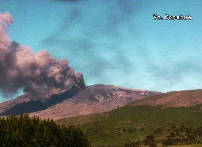 Copahue - ashes issue of 15.12.2016 - webcam Sernageomin