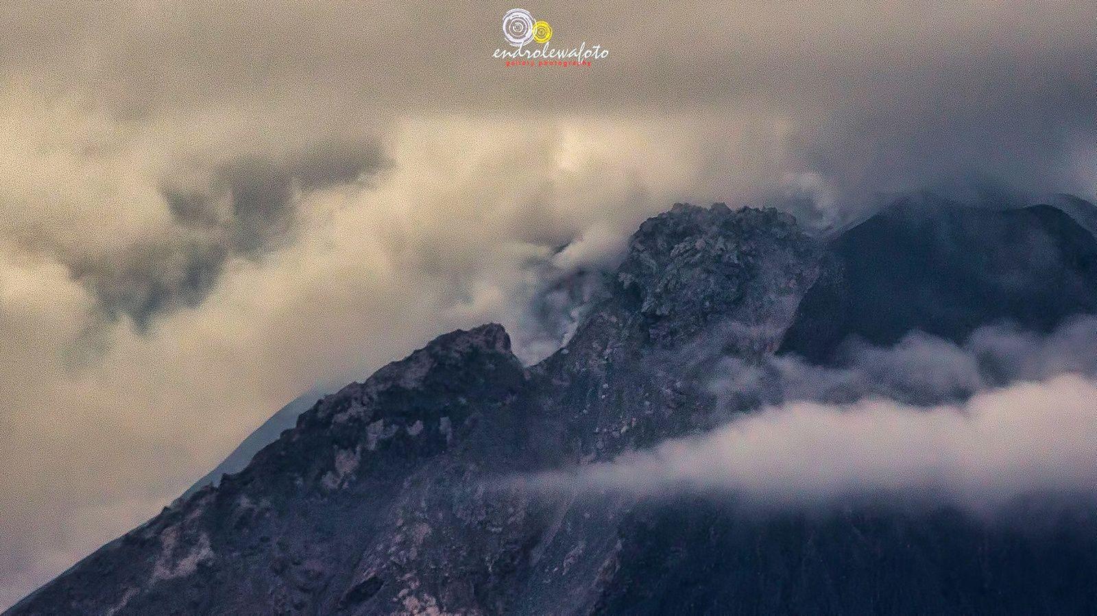 Sinabung le dôme ce 02.01.2017 / 16h23 - photo Endro Lewa