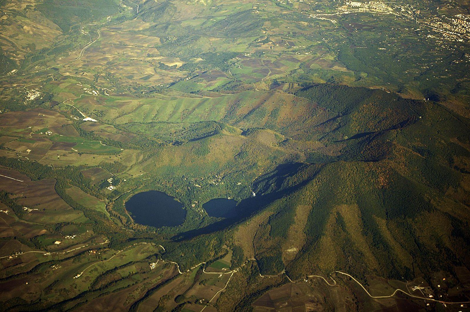 The volcano Vulture and the lakes Monticchio in its caldera - photo Carlo Arm.Gaet. Tripodi
