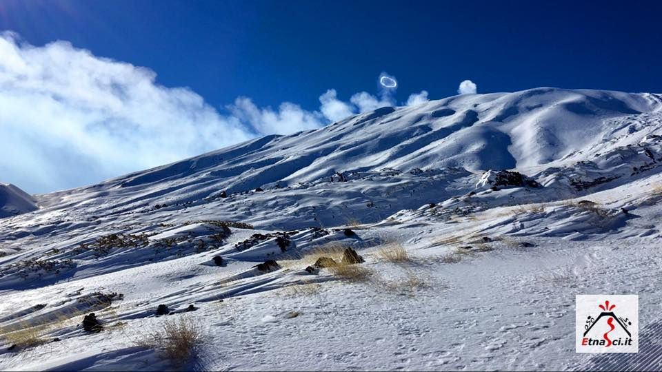 "Etna - le volcan ""fume la pipe"" - photo 19.01.2017 Dario Teri via Etna Sci"