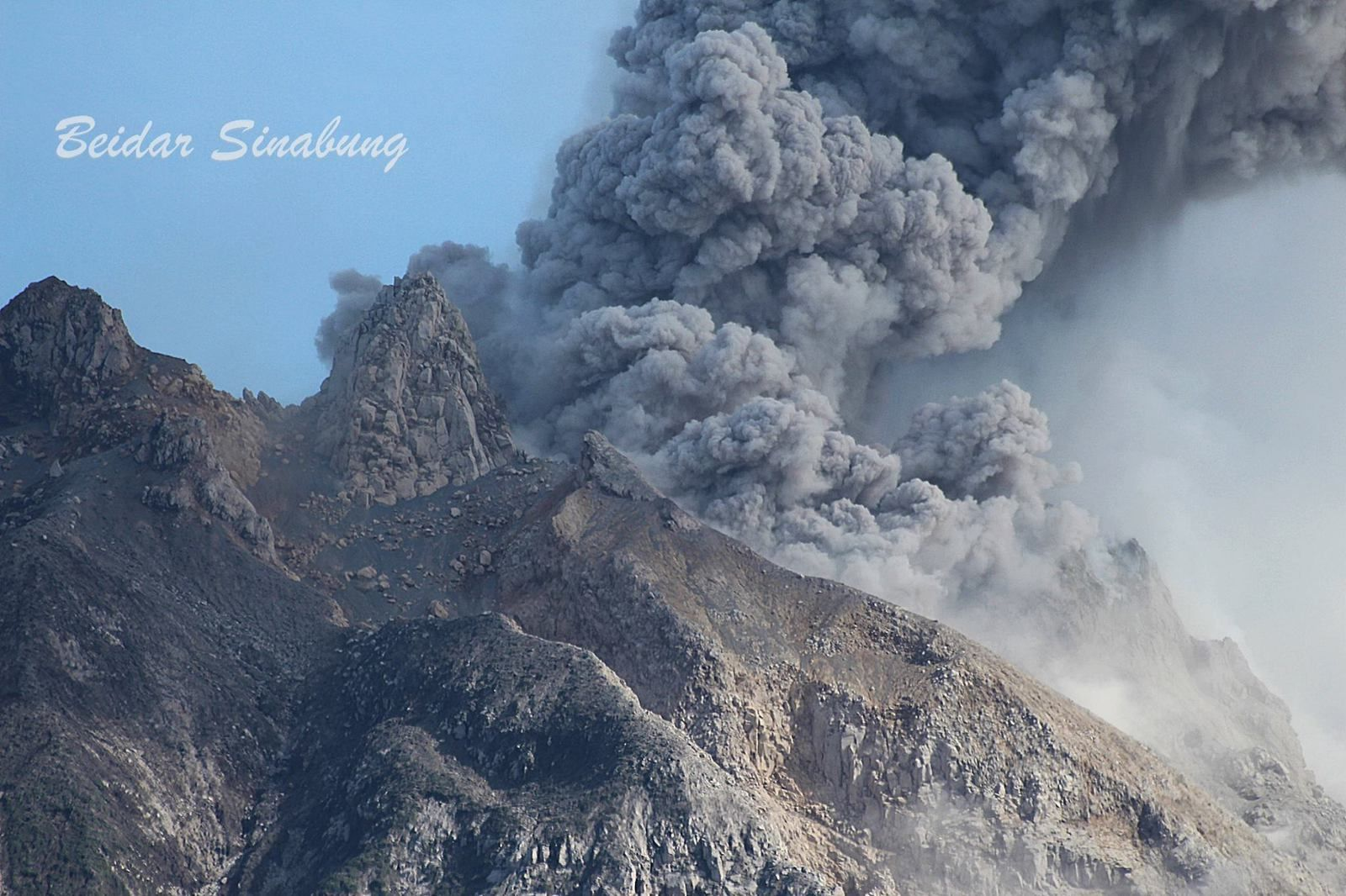 Sinabung - 05.02.2019 / 9h35 WIB - photo F.Surbakti, via Beidar Sinabung