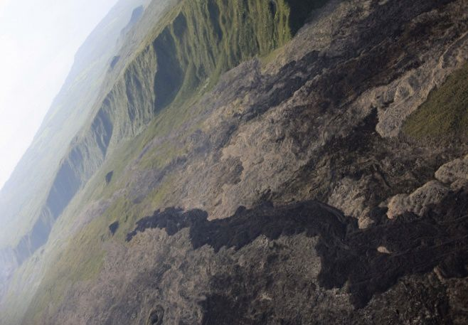 Piton de La Fournaise - the lava flow front on 10/02/2017 at 7:30, local time. (© OVPF / IPGP)