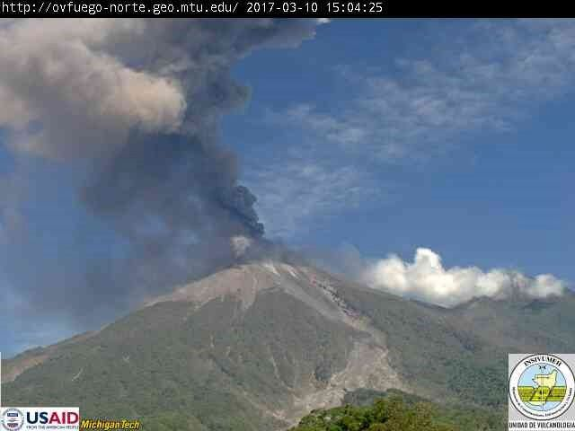 Fuego - 10.03.2017 / 15h03 - webcam Insivumeh