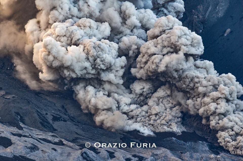 Etna - 18.03.2017 - the interaction between snow and lava enhanced by Orazio Furia / via Boris Behncke