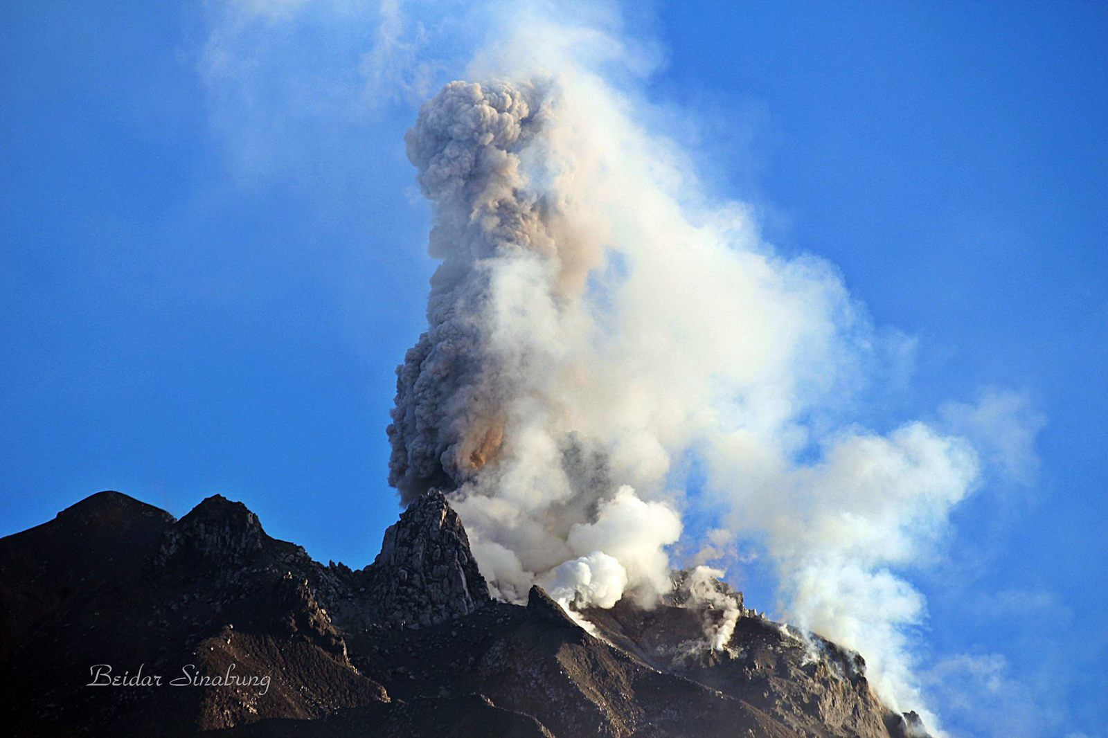 Sinabung - 26.03.2017 / 7:29 local -photo Ffirdaus Surbakti / Beidar Sinabung