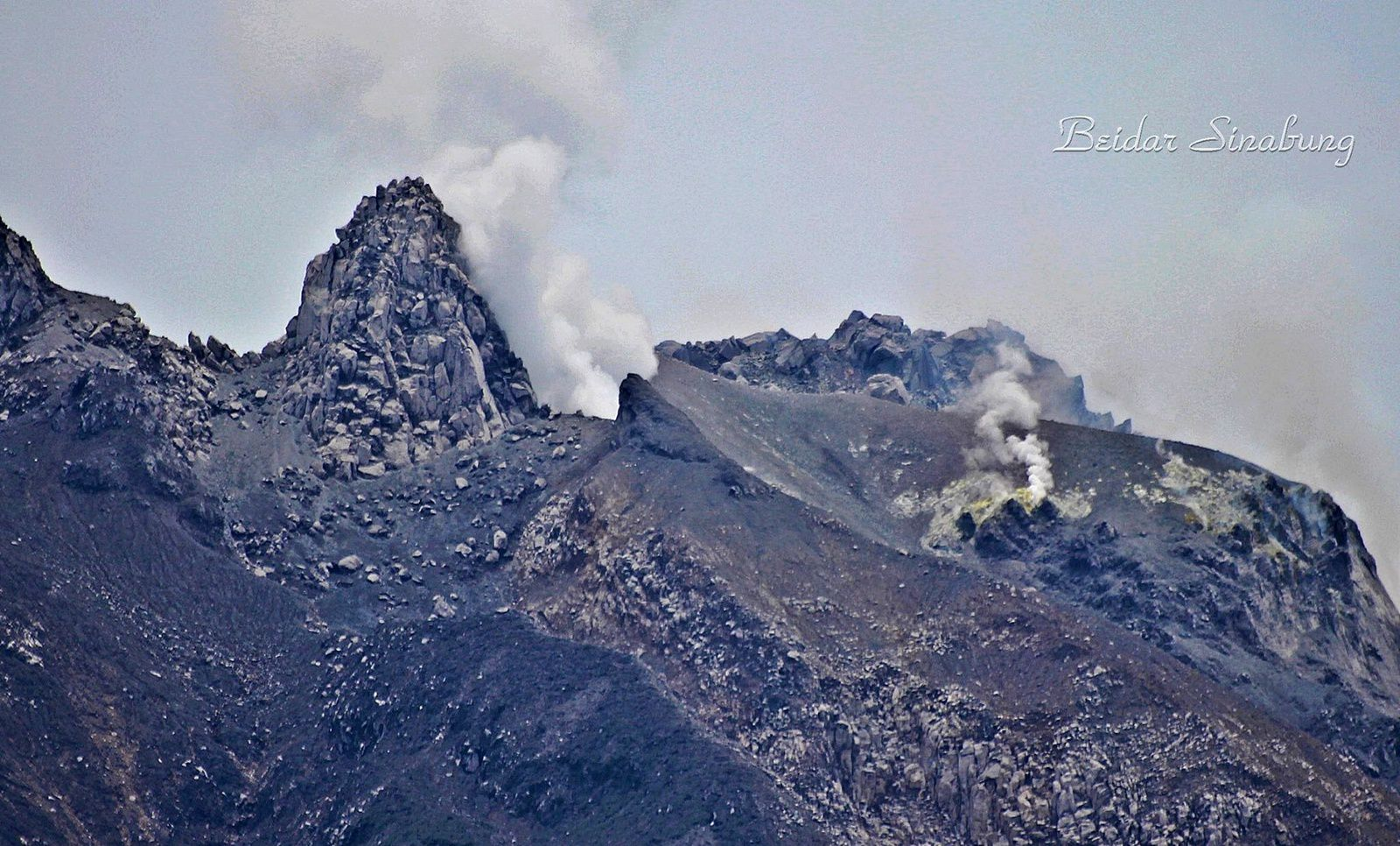 Sinabung - sommet à la morphologie changeante - photo Firdaus Surbakti / Beidar Sinabung