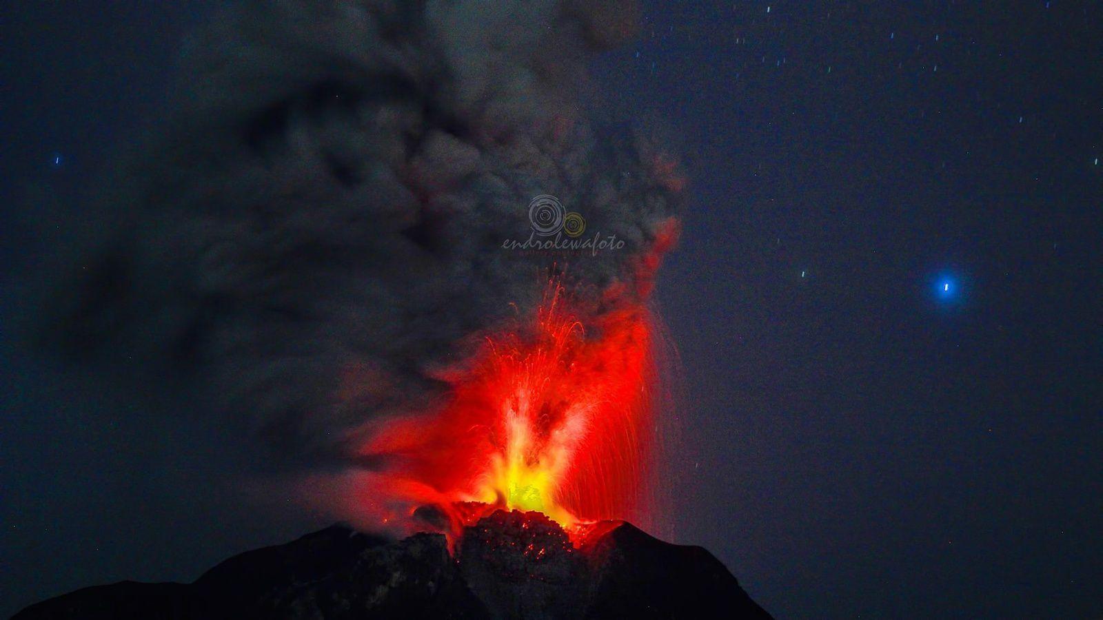 Sinabung - 02.05.2017 / 01h58 - photo endro Lewa
