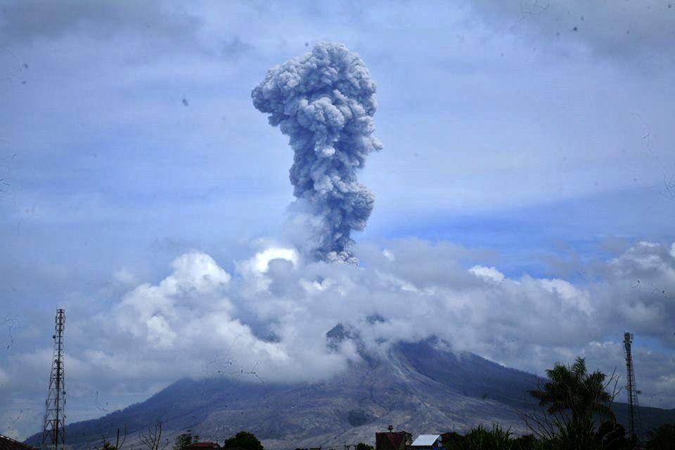 Sinabung - 07.05.2017 / 10h39 - photo Igan S. Sutawijaya