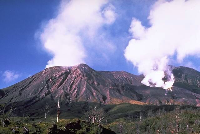 Langila - volcano craters 2 & 3 - photo Wally Johnson 1970 / Austr. Office of mineral resources / in GVP