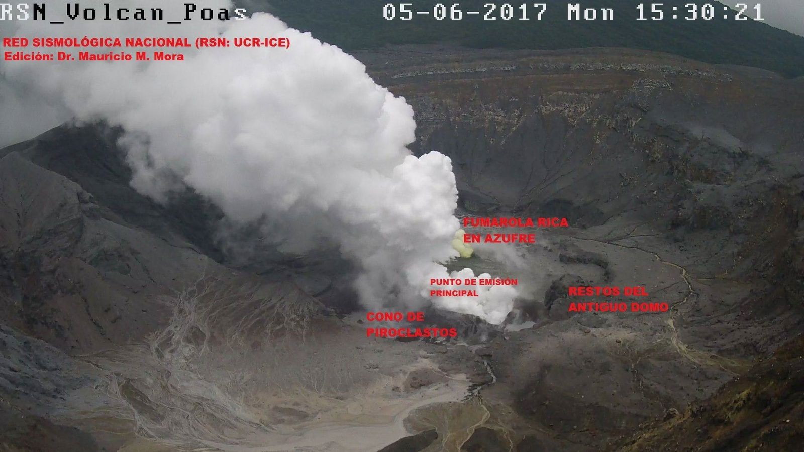 Poas - activité du 05.06.2017 / 15h30 - note the pyroclastic new cone and the small fumarole rich in sulfur -  photo Dr. M.M.Mora / RSN