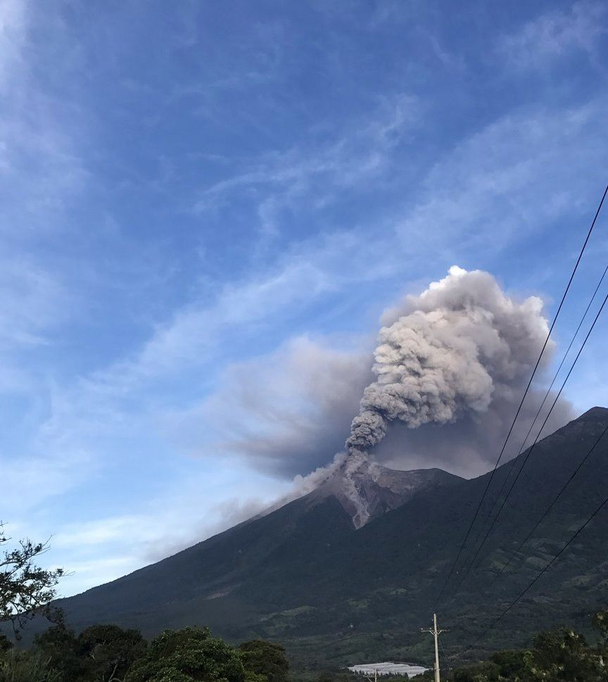 Fuego -  activité matinale 11.07.2017 / 6h30 locale - photo Omar RT / Clima Guatemala / Twitter