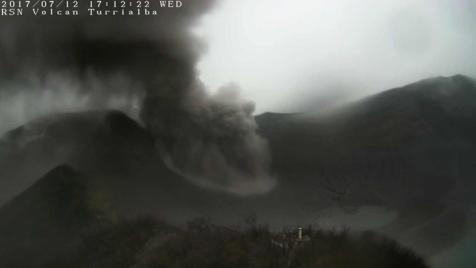 Turrialba - 12.07.2017 / 17h12 - webcam RSN