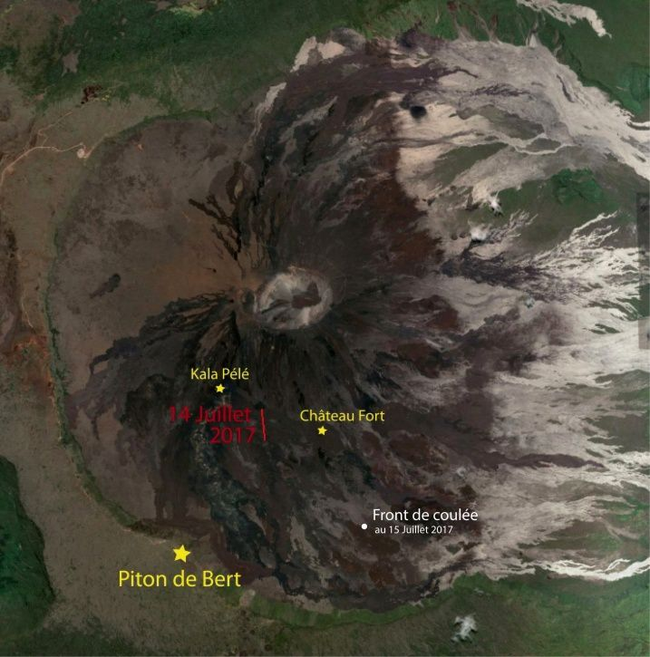 Piton de La Fournaise : Location of the eruptive fissure which opened July 14, 00h50 local time and of the front of the casting (white dot) July 15, 14h local time (background image: GoogleEarth). (© OVPF / IPGP)