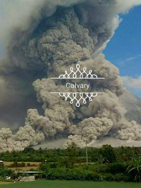 Sinabung - multiple pyroclastic flows, and important co-pyroclastic cloud this 02.08.2017 - phot Calvari Milala via Sadrah Peranginangin / FB