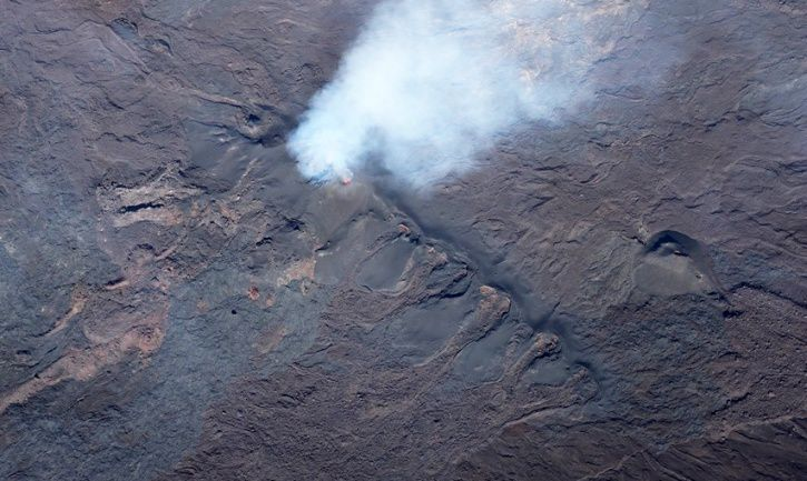 Piton de La Fournaise - Shooting of the eruptive site on 02/08/2017 at 10h30, local time. (© OVPF / IPGP)