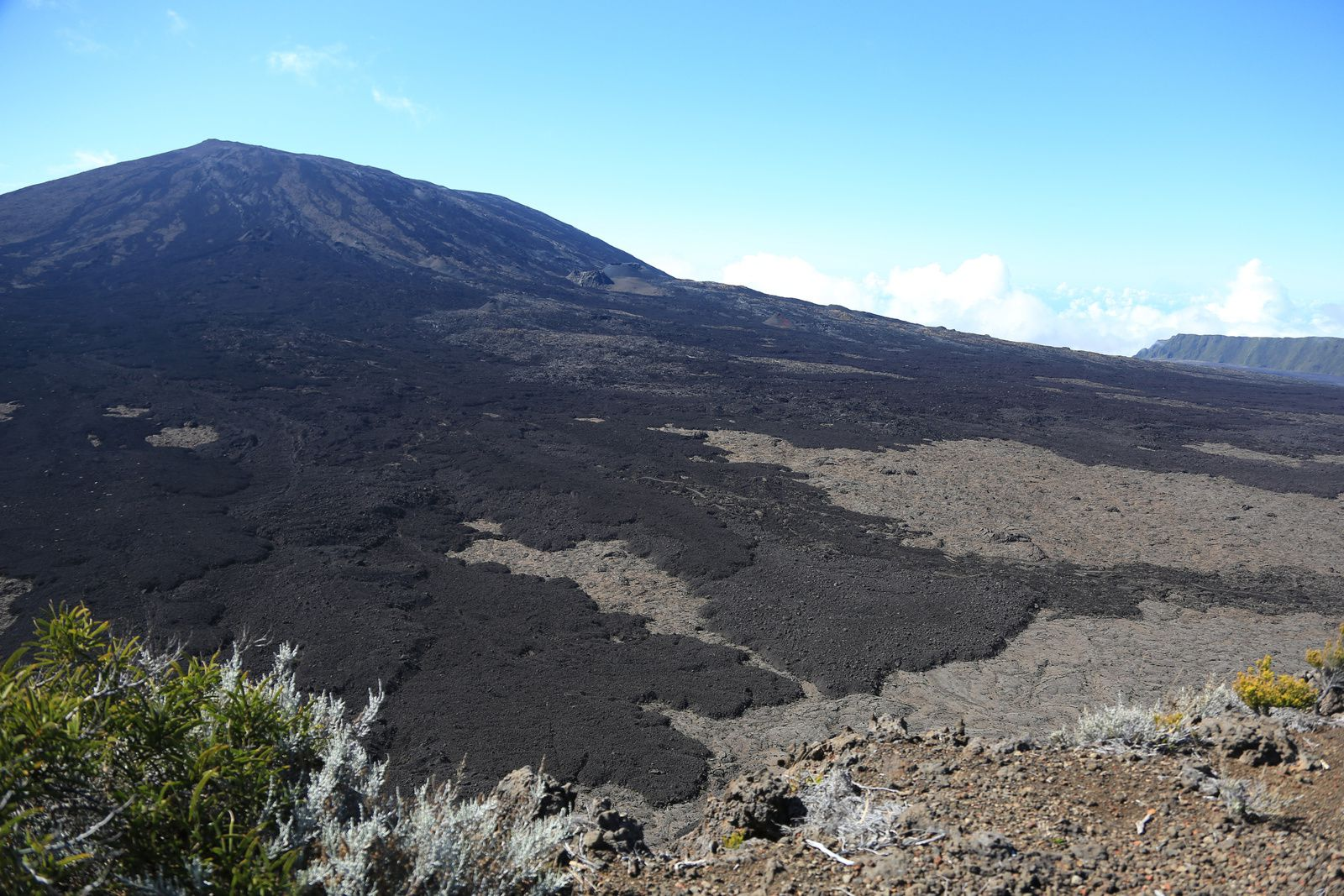 The Piton de la Fournaise, seen from the Piton de Bert trail - photo © Bernard Duyck / June 2017
