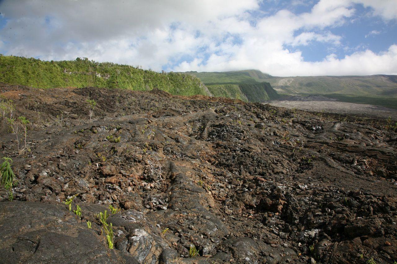 Piton of La Fournaise - Route of the lava / Grand Brûlé - 2007 lava flows - photo © Bernard Duyck / June 2017