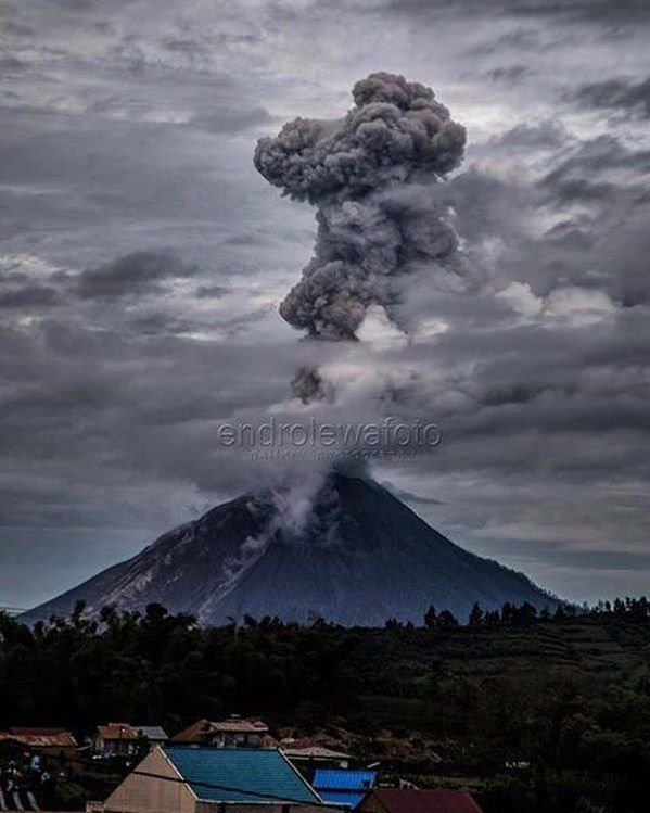 Sinabung - 09.08.2017 / 9:28 am - photo Endro Lewa