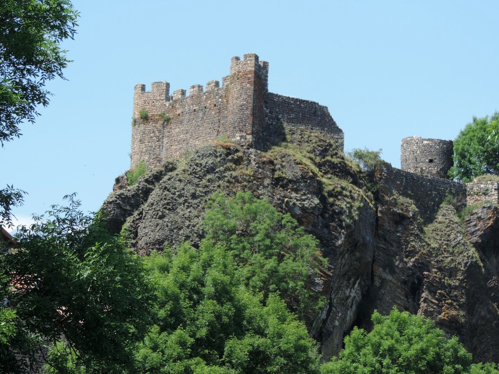 Arlempdes - the castle - photos © Michel Lecouteur / 2017