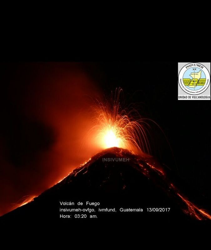 Fuego - 9° phase éruptive 2017 - 13.09.2017 / 03h20 locale - photo Insivumeh