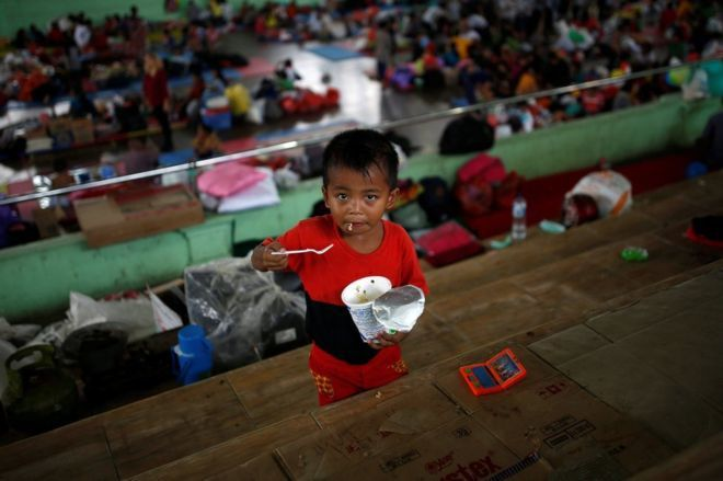 The number of evacuees increases in Bali - photo Reuters / BBC News