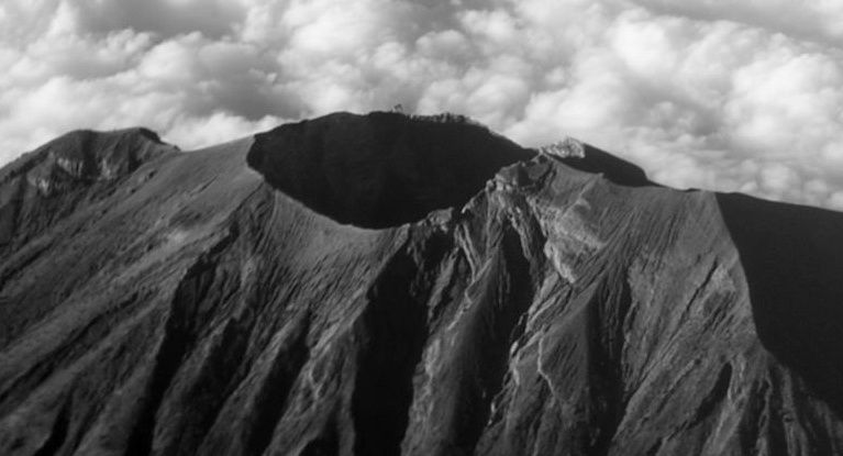 The summit crater of Agung
