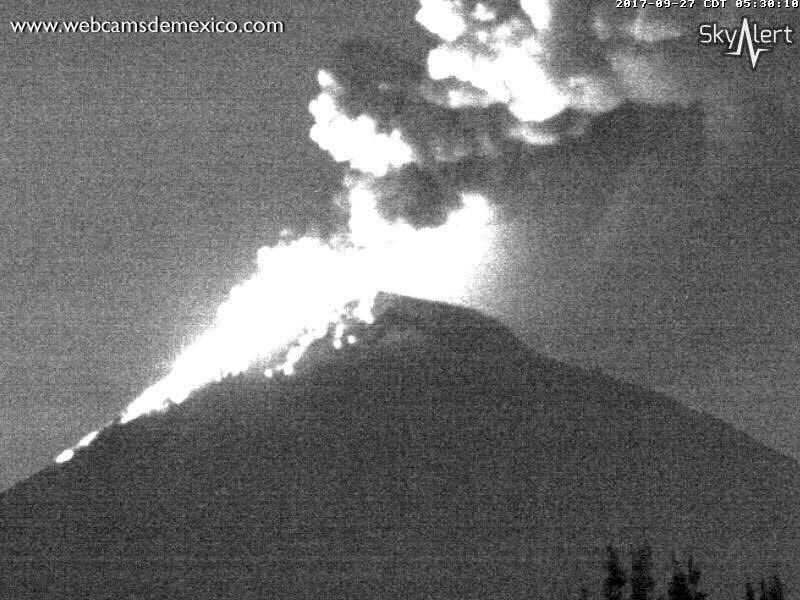 Popocatépetl - activity of 27.09.2017 at 5h03 and 5h30 local - WebcamsdeMexico