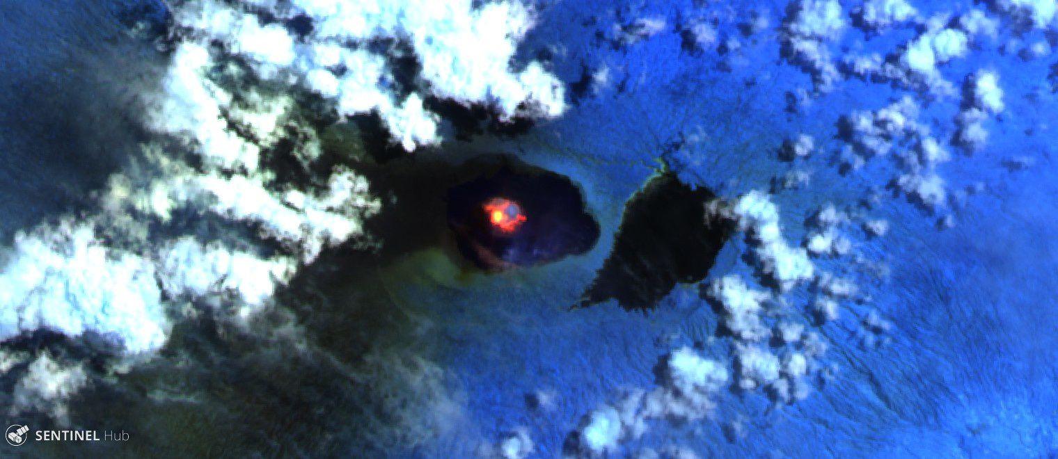 Ambae - image Sentinel 2 - au dessus : SWIR (12-81-4) zone recouverte par les cendres -  image du dessous : Bandes 12-11-8A - Coulée de lave vers le SE & E du cône