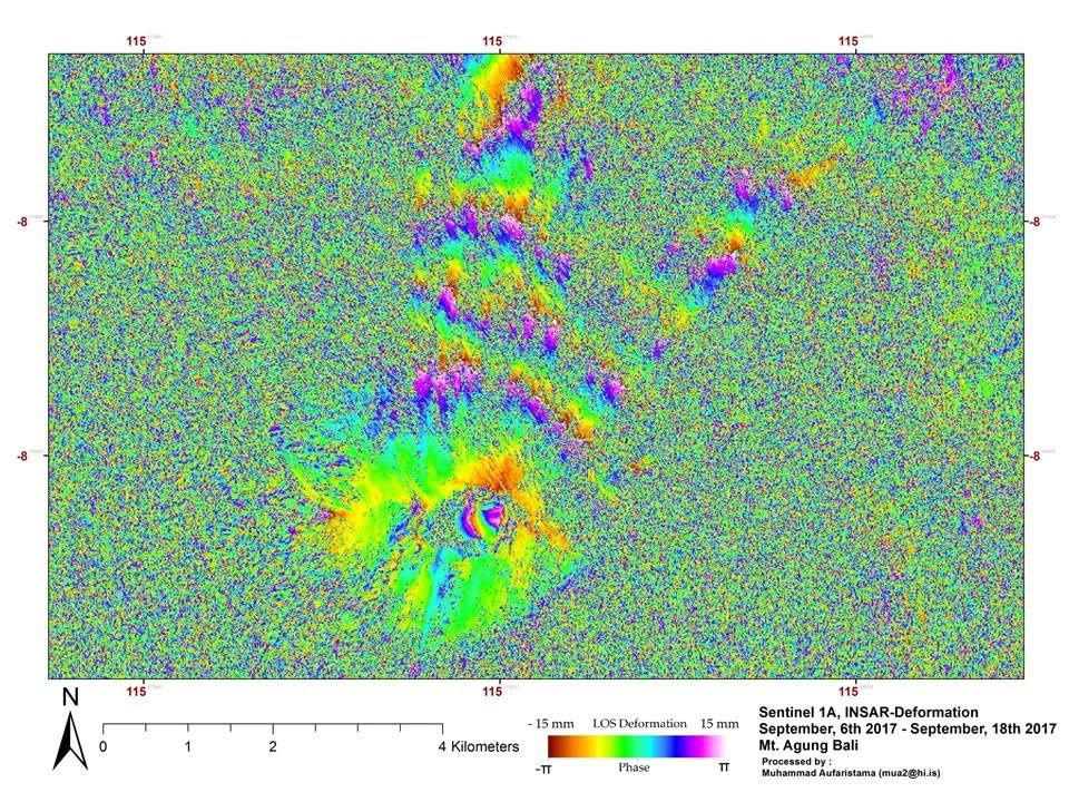 Agung - deformation detected by InSAR Sentinel 1A between 6 and 18 September 2017 - on Twitter, via shérine France