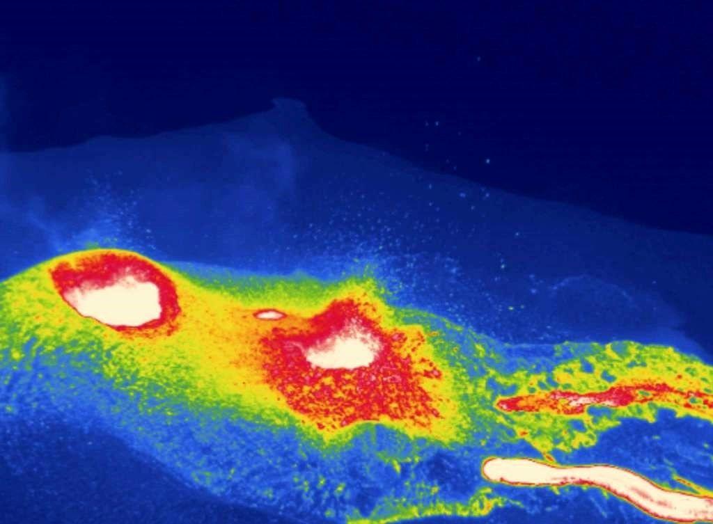 Ambae - évents et projections sur une image thermique prise le 30.09.2017 par Brad Scott - AP