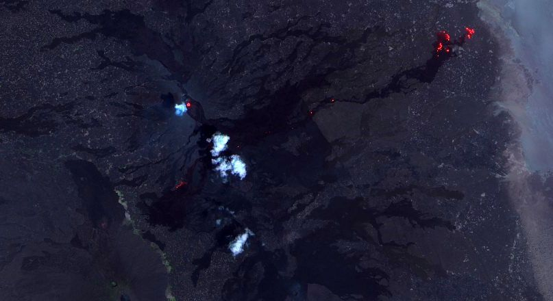 Erta Ale - 26.09.2017 - The SO lava field is less visible, the new lava lake is under the cloud (?), and some skylights are visible along the NE axis, with a pouring forehead - image Sentinel 2 Swir