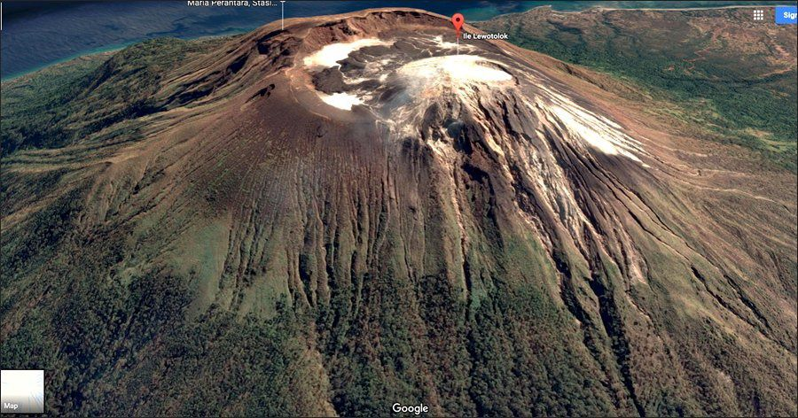 Lewotolo - carte des risques / VSI et situation du cône actif / Google Earth