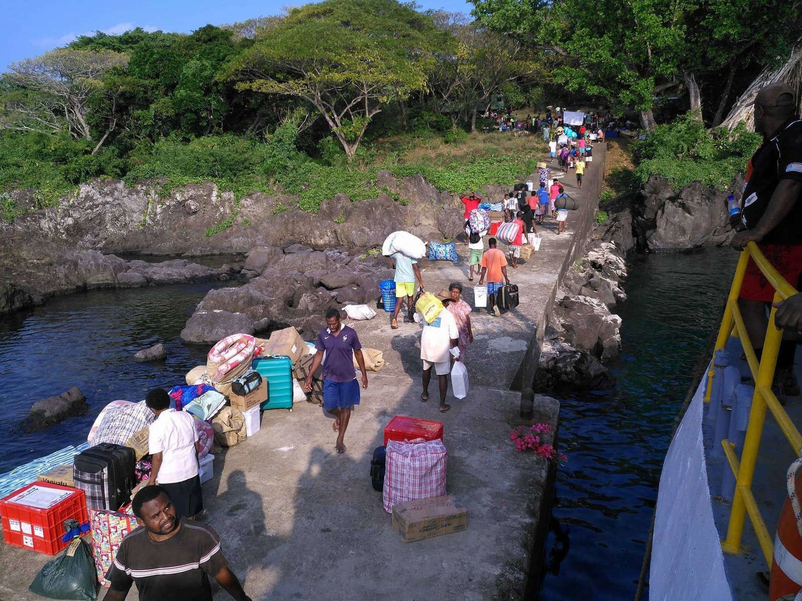Ambae - return to the port of Lolopuepue - photo Gov.of Vanuatu 24.10.2017
