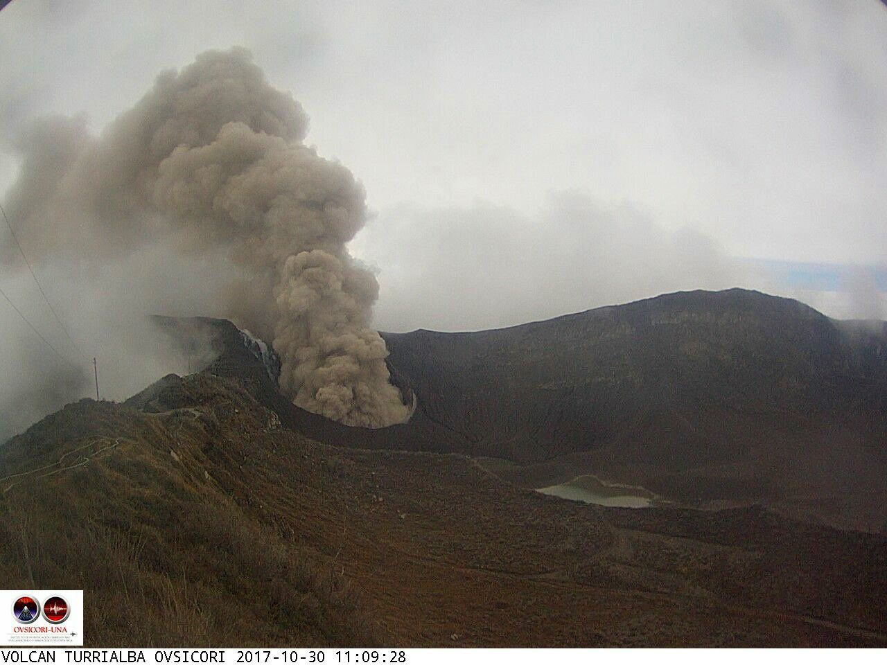 Turrialba - plume seen by the Ovsicori webcam on 30.10.2017 at 11:09