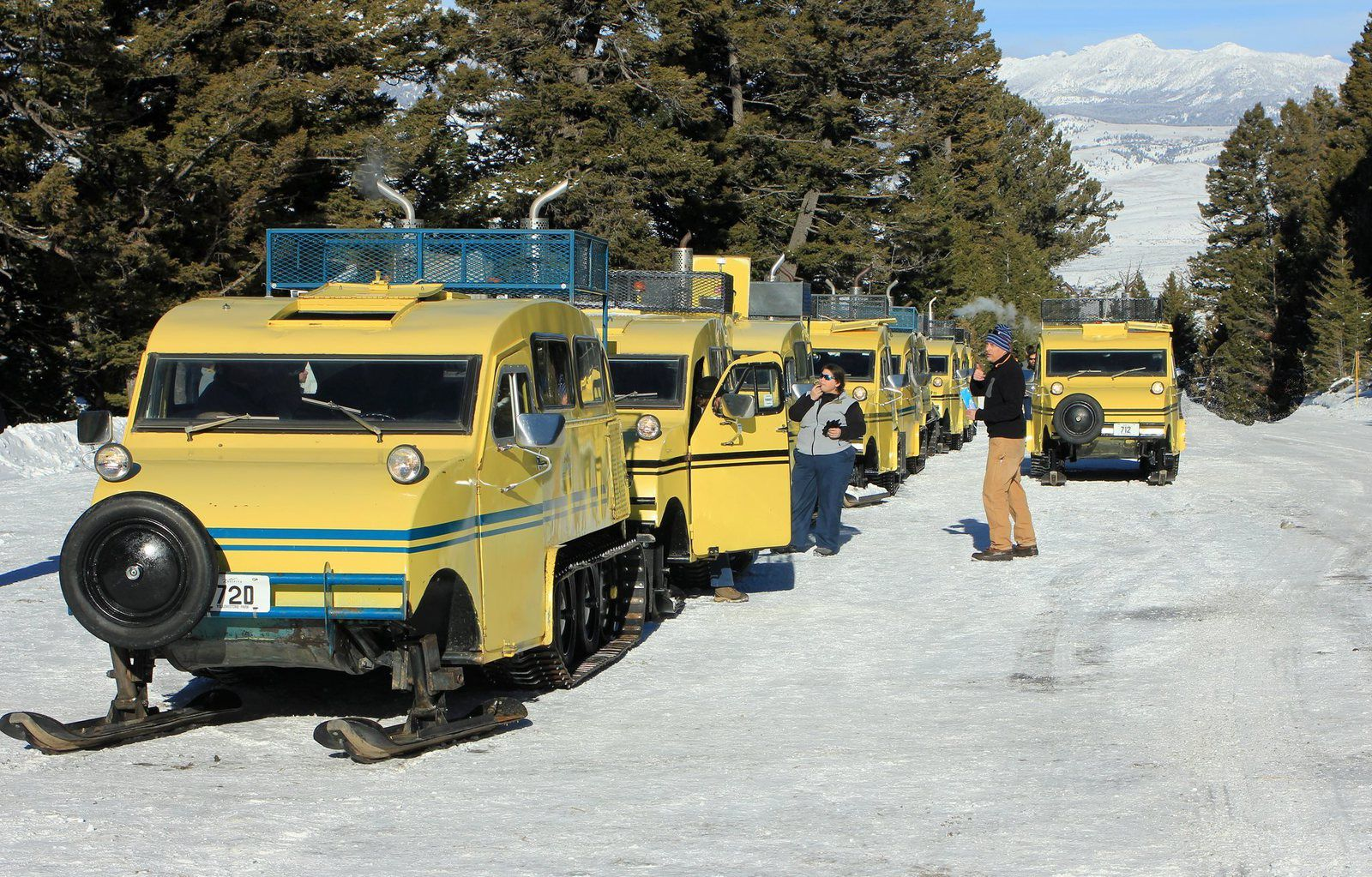 Yellowstone snowcoaches - doc. archives NPS