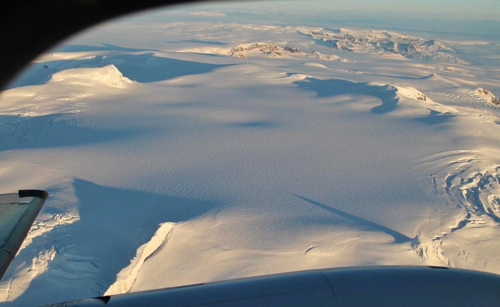 Update : Oreafajökull - on voit mieux le creux du chaudron sous cet angle là - photo MT Guðmundsson