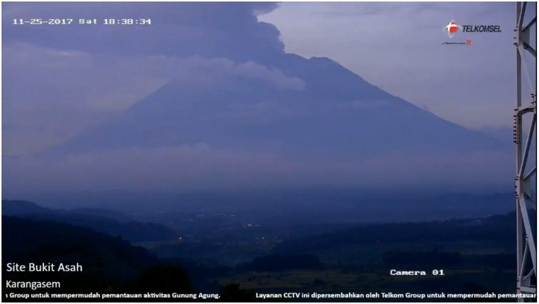 2017.11.25 18h38 Agung  - webcam Telkomsel (2)