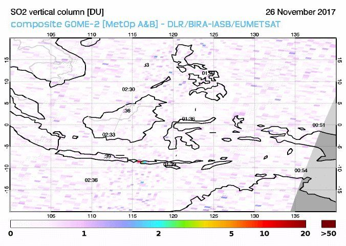 Agung - SO2 emission hardly visible on this document (colored on the right / to east of Bali) - doc Gome-2 26.11.2017 / 9h30