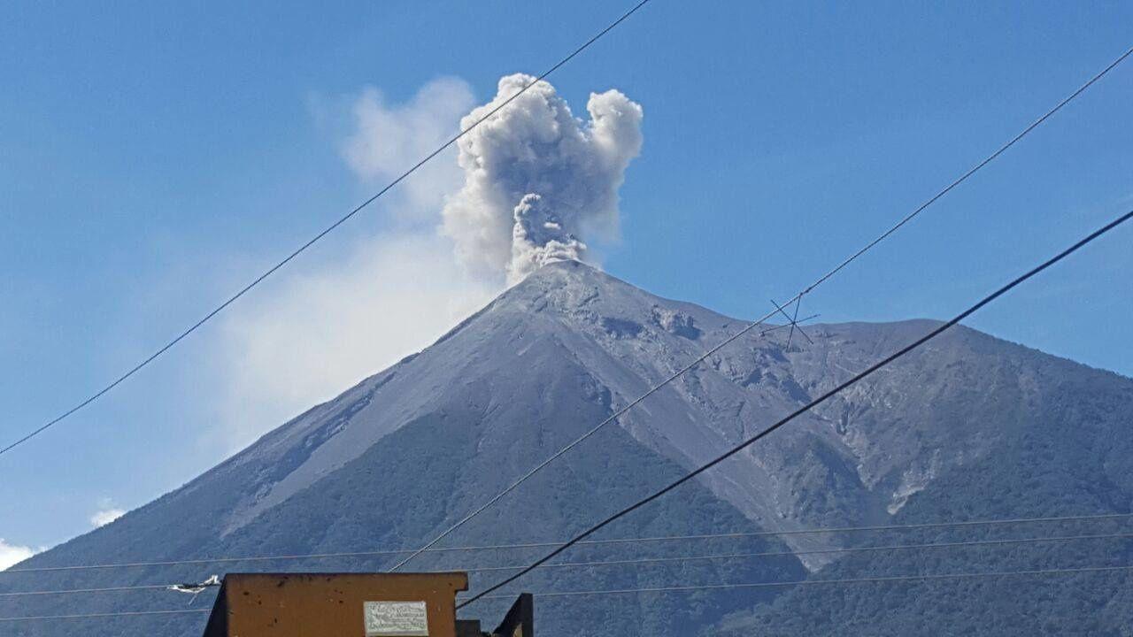 Fuego - activité explosive du 03.12.2017 - photo Conred