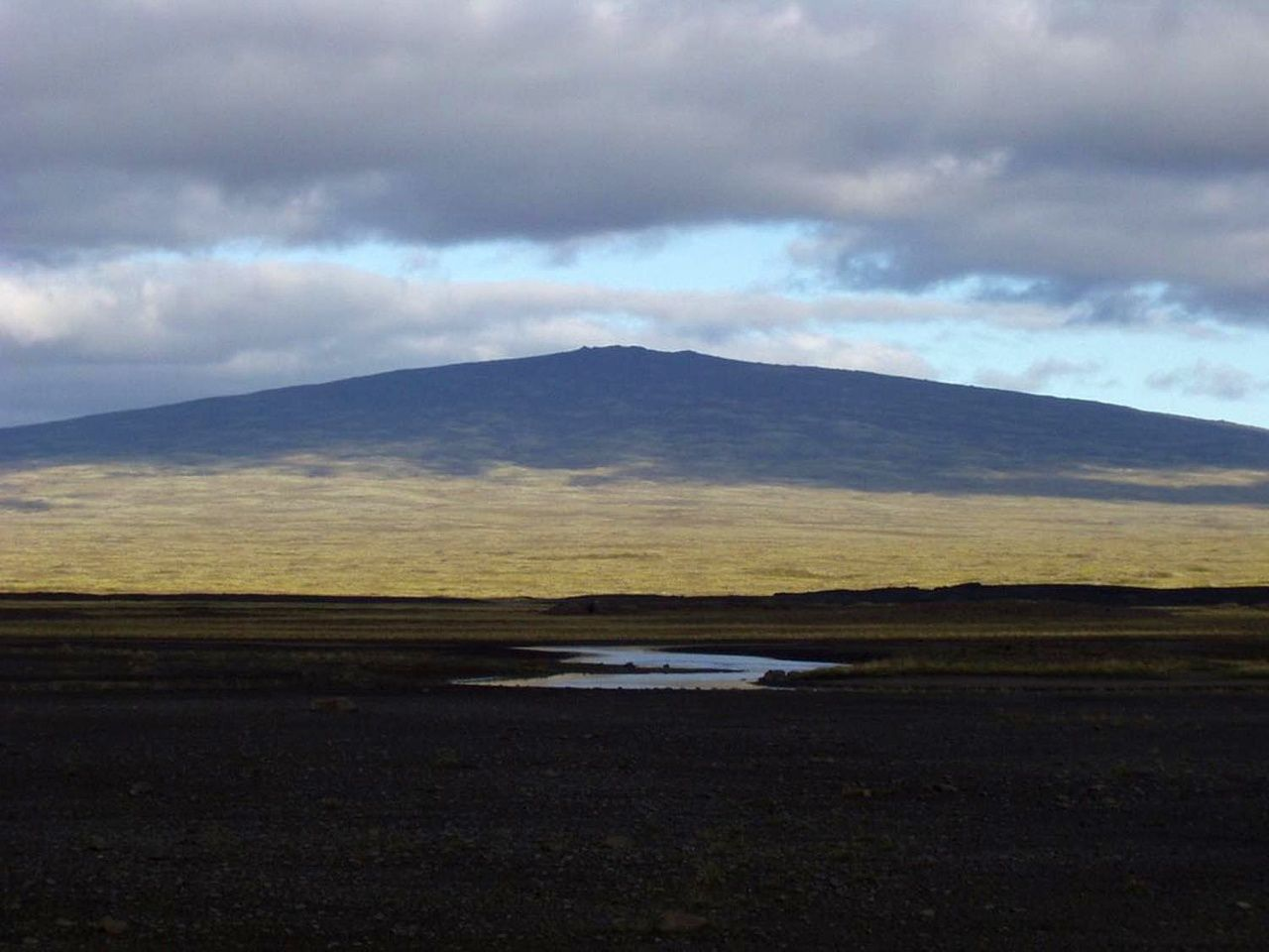 The Skjaldbreidur, a shield volcano in the Oddnýjarhnúkur-Langjökull system - photo Dave McGarvie / Icelandic volcanoes