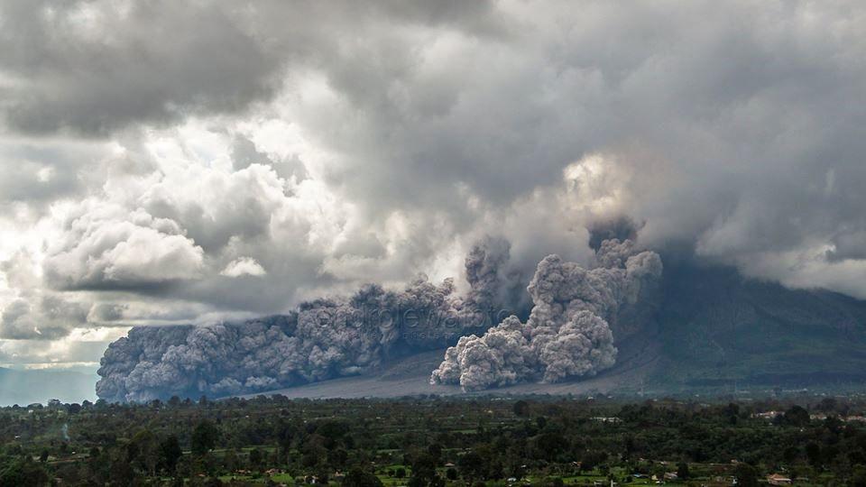 Sinabung - 27.12.2017 / 15h36 WIB - photos Endro Lewa