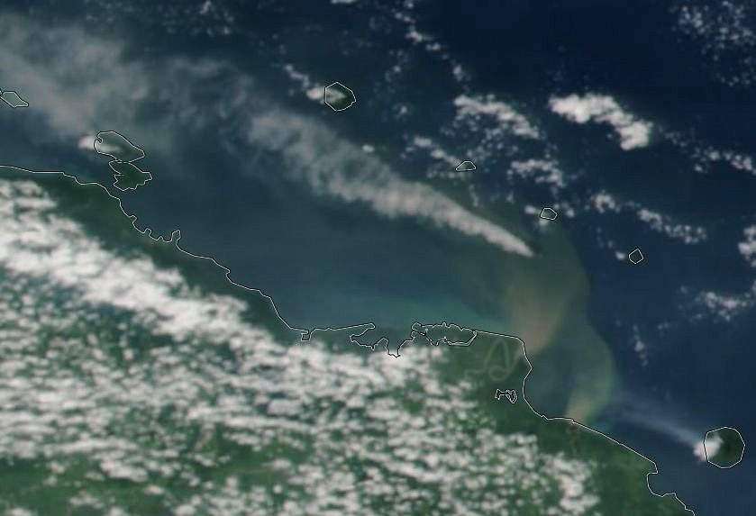 Kadovar - ash plume (direction WNW) / Nasa Worlview Eosdis and Volcanic ash advisory / VAAC Darwin - 07.12.2017