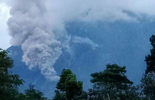 Semeru - coulée pyroclastique du 07.01.2018 - photo BNPB