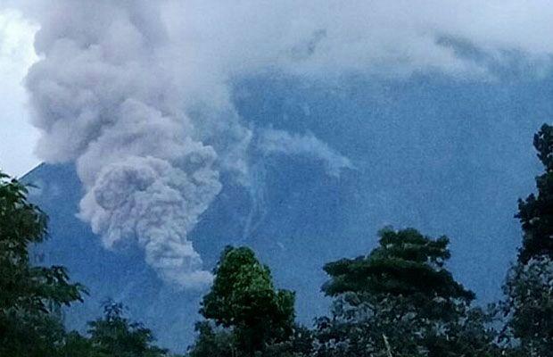 Semeru - pyroclastic flow of 07.01.2018 - photo BNPB