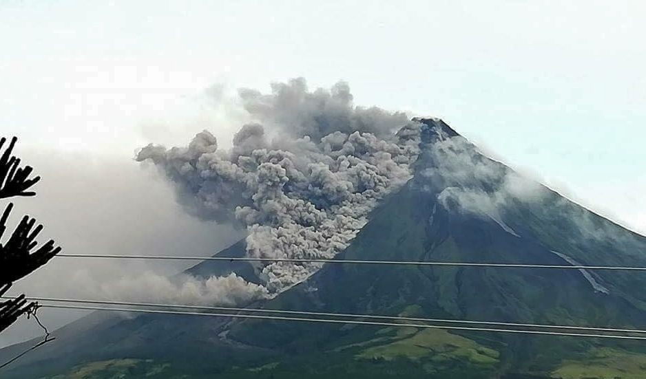 Mayon - Pyroclastic flow 16.01.2018 - unidentified Twitter photo