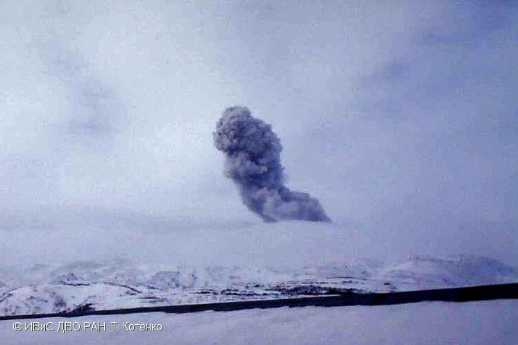 Ebeko - explosive activity of 06.02.2018 .- photo T Kotenko / IVS FEB RAS