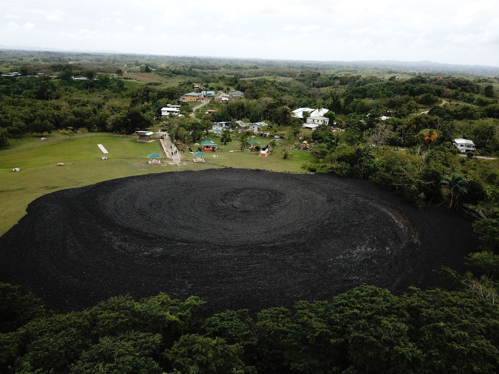 New Grant - Devil 's woodyard mud volcano 13.02.2018 - photo CNC3