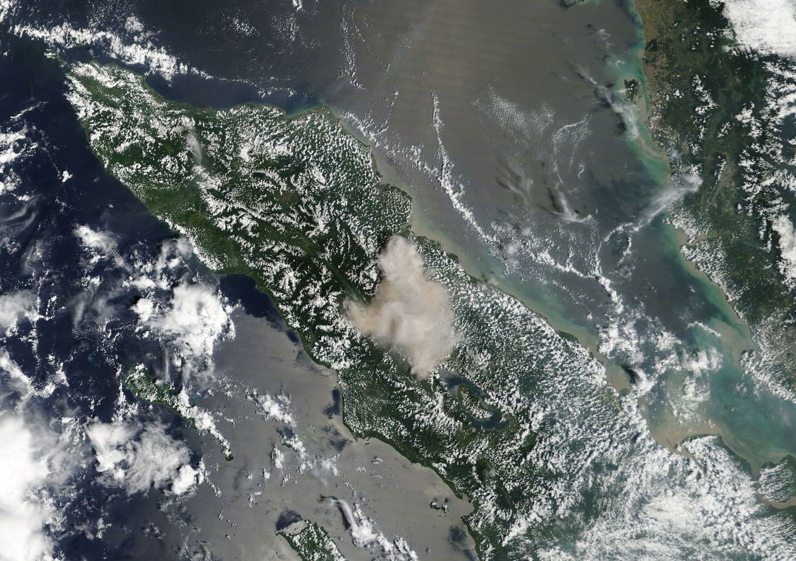 Sinabung eruption of 19.02.2018 from space - Nasa Terra Modis