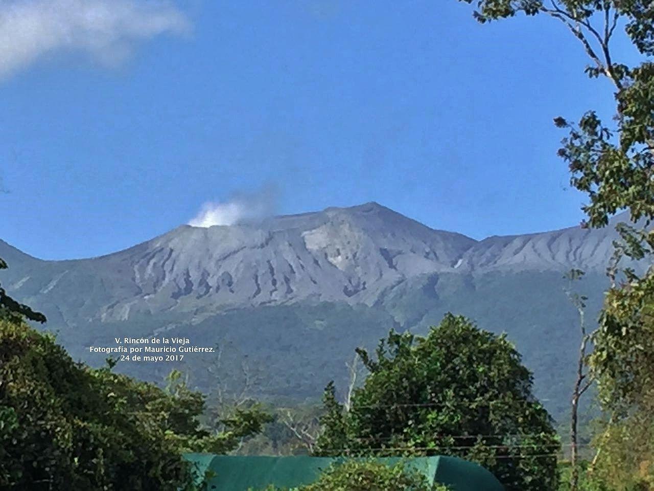 Volcan Rincón de la Vieja. - Fotografía by Mauricio Gutiérrez desde Blue River Resort./ 24.05.2017