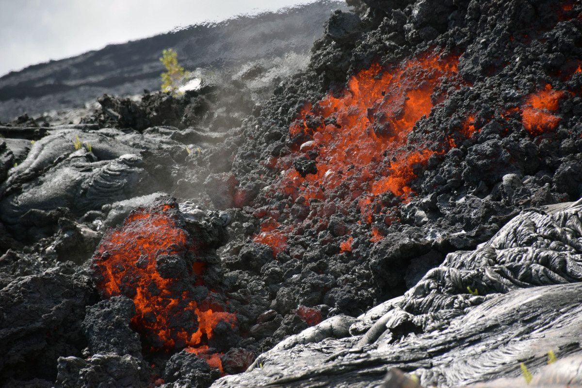 Hawaii - Pu'u O'o  61g lava flow - the front of the casting a'a near the base of Pali - 20.02.2018 - photo HVO / USGS